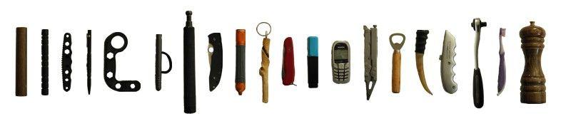 Muchos objetos comunes útiles pueden servir como herramientas de transporte cotidianas o se pueden encontrar en las inmediaciones
